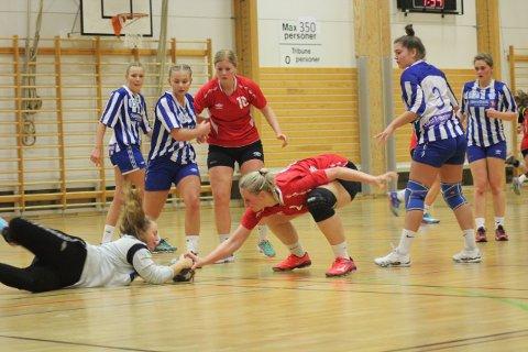 Jevnt: Det ble et jevnt oppgjør mellom Ankenes og Svolvær. Alle foto: Nadia Elisabeth Ravlo