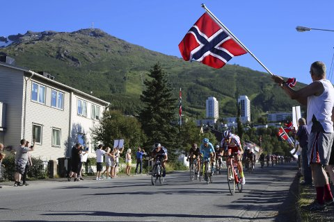 Folkefest: Arctic Race of Norway i Narvik i 2015 var en folkefest. Det håper kommunen skal gjenta seg også i år – men denne gangen til en langt lavere kostnad.