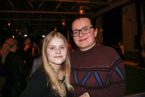 Andrine og Malin på HigasaKite.