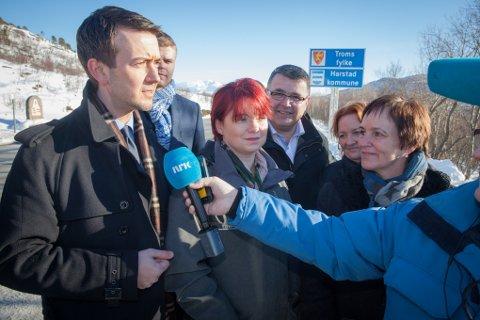 Stortingsrepresentant Kent Gundmundsen (H) kunne fortelle at regjeringspartiene, sammen med Venstre og Kristelig Folkeparti, vil bevilge 8,7 milliarder kroner til starten på Hålogalandsveien. Det gjenstår imidlertid rundt 4,5 milliarder kroner for at hele veien blir finansiert.