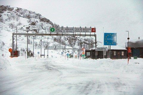 ENTRET NORGE: Det var her, på Bjørnfjell tollsted, at mannen skal ha tatt seg ulovlig inn i Norge.