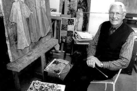 Arne Linder Olsen (1911-1990) var Narvik-kunstneren som likte å dokumentere hjembyen og folk som levde her. Nå foreligger historien om livet og kunsten hans i bokform.