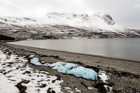 LANGSTRANDA: Bare 15 prosent av søppelet i havet dukker opp på strendene. Neste uke starter den nasjonale «Strandryddedagen». Illustrasjonsfoto