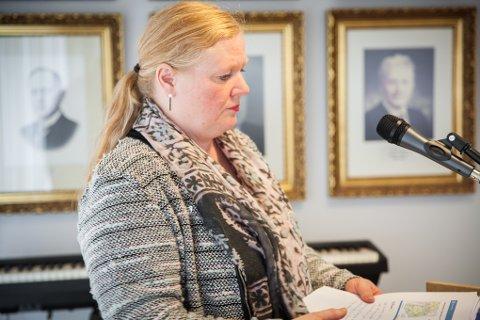 Rådmann Monika Amundsen innstilte på at innbyggerne på Hinnøy-siden måtte bli hørt, men flertallet ville det annerledes.