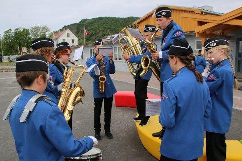 Narvik skolekorps deltok på regionstevne for skolekorps på Melbu