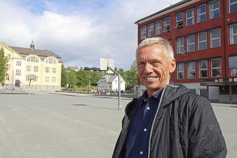 Slår sammen klasser: Rektor for Frydenlund skole, Stein Roar Jakobsen, forteller at de må slå samme klasser for å få nok klasserom. Arkivfoto