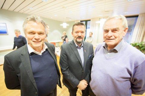 Rådmann Snorre Glørstad (til venstre) fra Ørland besøkte onsdag Evenes og ordfører Svein Erik Kristiansen for å fortelle om Ørlands erfaringer med samarbeidet de har hatt med Forsvarsbygg, her med sjefen for utbyggingen på Evenes Olaf Dobloug.
