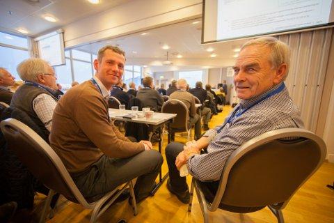 John Ommund Syvertsen (til venstre) og Olaf Dobloug presenterte pågående og kommende prosjekter på Evenes flystasjon for næringslivet i Harstad.