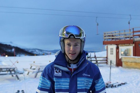 Andreas Landsholm fra Narvik Slalåmklubb gikk til topps for første gang i FIS-renn.