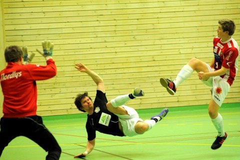 Børge Henriksen på toppen av eliteserietabellen i futsal.