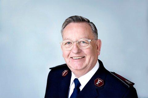Sjef: William Cochrane, øverstkommanderende for Norge, Island og Færøyene besøker Narvik.  Mette Randem/Frelsesarmeen