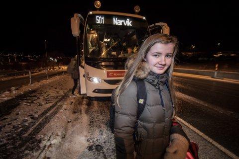Hver dag tar Christel Bolsøy skolebussen fra Evenes til Narvik. Etter åpningen av Hålogalandsbrua slipper hun unna én time i bussen –hver dag.
