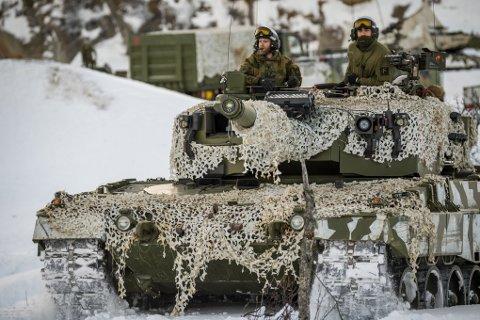 Fra 3. mars vil det bli stor militær aktivitet langs veiene i regionen. Under øvelsen «Joint Reindeer» skal 5.200 mann trene under det som blir den nest største øvelsen på norsk jord i 2018.