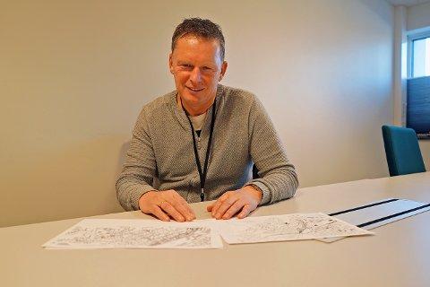 KLAR: Trond Solberg, enhetsleder ved Narvik kommunes veg og park, har fått på plass traseen for skibakken som skal gå helt ned til sentrum.