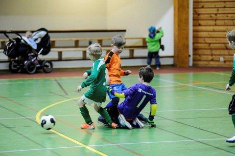 I helgen er det fotball for de yngste i Ankeneshallen.