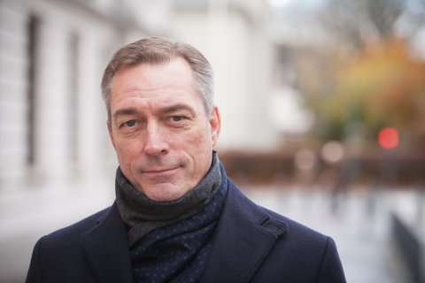 REAGERTE: Forsvarsminister Frank Bakke-Jensen reagerte svært skarpt da han ble utfordret av Senterpartiets Liv Signe Navarsete om innholdet i interne arbeidsdokumenter i Forsvaret.