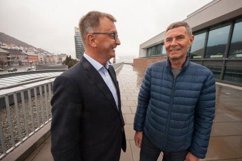 Torsdag møtte Steinar Sørensen (til høyre) direktør Roger Bergersen i Forte Narvik, etter at Sørensen ble valgt inn i stiftelsens styre.