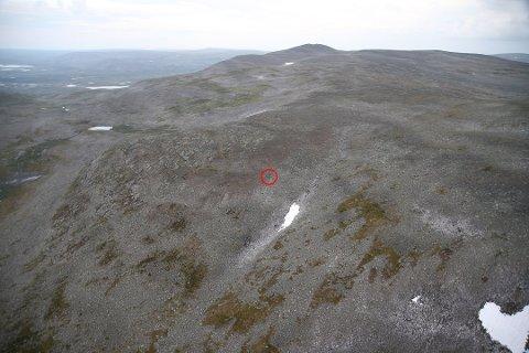 ØDE OMRÅDE: Den røde ringen markerer ulykkesstedet hvor gyrokopteret styrtet. Foto: Finsk politi