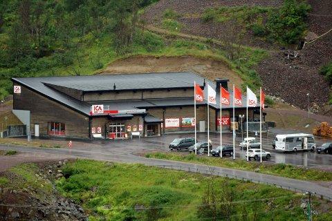 STOR: Ica Nära Riksgränsen har hatt en formidabel vekst i omsetningen siden de åpnet i 2014. Omsetningen er nå så stor at den passerer samtlige butikker i Narvik. Dette bildet ble tatt i 2016.