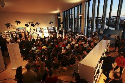 DEBATTSENDING: Fremover samarbeider med NRK og flere Amedia-aviser om direktesendt debatt fra Stormen (bildet).