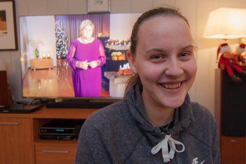 Julie Svendgård (16) ble trukket fram som et eksempel på ungdom som klarer å sette ord på det vanskelige da statsminister Erna Solberg holdt sin nyttårstale.