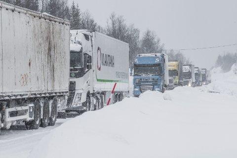 Dårlig føre: Når utenlandske vogntog krysser norskegrensa må de også forholde seg til det norske regelverket, men det er det ikke alle som gjør. Illustrasjonsfoto