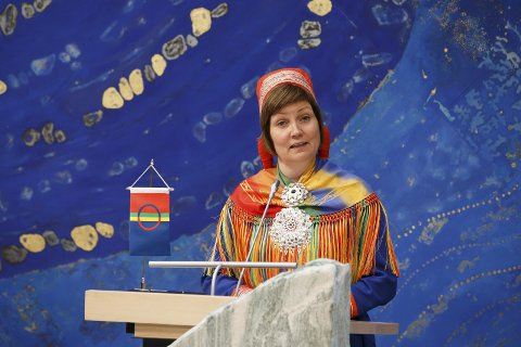 Inn i grunnloven? Skal det gjøres en en endring av grunnloven slik at samer, her representert ved sametingspresident Aili Keskitalo, omtales som urfolk? Nei, mener stortingsrepresentant Ulf Lerstein.