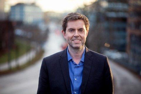 SØDAL: Nils Sødal i NAF sier at undersøkelsen viser at bilfabrikantene leverer systemer som ikke fungerer like godt som reklamene beskriver.
