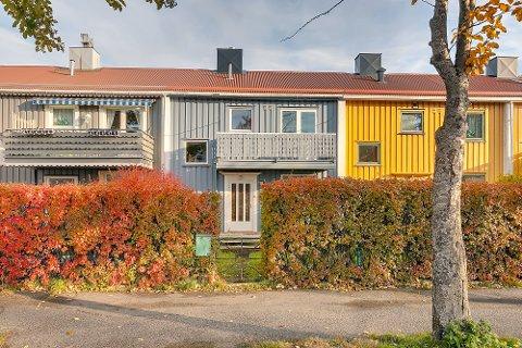 Narviks billigste: Denne uken ble dette rekkehuset lagt ut for salg. Et raskt søk på Finn.no viser at det er det billigste huset til salgs i Narvik sentrum.