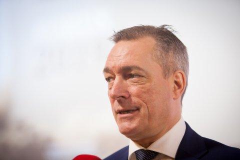 EN KAMP: – Det vil alltid være en kamp om penger, men vi har en ambisjon om at vi fortsatt skal satse på Forsvaret, sier forsvarsminister Frank Bakke-Jensen til Fremover.