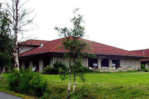 Flyttet inn: Soknepresten for Bjerkvik og Evenes har flyttet inn i samme bygg som Ellas minne.
