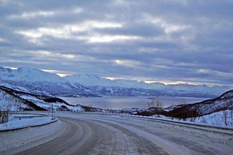 KJØRTE PÅVIRKET: Det var her, i Bjerkviklia, at mannen gjennomførte den ulovlige kjøreturen.