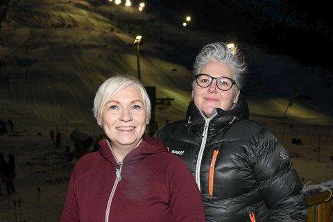 I FULL SVING: Unni Forshaug og Kine Baustad jobber både med Junior-VM og helgens barne- og ungdomsrenn i Fagernesfjellet.