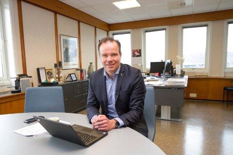 Fylkesrådet har vedtatt en ny organisering for Nordland fylkeskommune. Fylkesrådsleder Tomas Norvoll har god tro på den nye modellen.