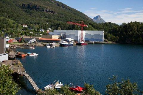 18 industriarbeidere ved Grovfjord Mekaniske Verksted kan bli tatt ut i streik fredag.