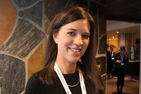 GLAD FOR NETTBUTIKK: Maria Haraldstad er daglig leder i Narvik Interiør. De har foreløpig ingen permitterte ansatte, og er en av mange butikker og bedrifter som har lagt om drifta den siste tida for å holde det gående. Da kommer en nettbutikk godt med.