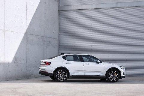 KVELER SALGET: TØI mener innføring av moms på elbiler vil halvere salget av biltypen. Illustrasjonsfoto