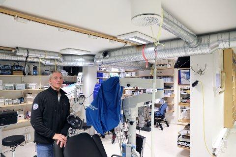 TAR SAKEN: Jens Kratholm som drev Øyeklinikken i Narvik (bildet) forteller om flere pasienter som har fått regninger de ikke skulle hatt fra sykehuset.