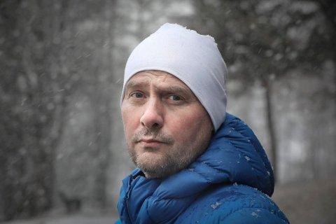 Romjula i fjor var starten på noen turbulente uker for Odd Arne Hansen. Nå er 49-åringen evig takknemlig for all den hjelpen han har fått på veien. Foto: Tom Melby