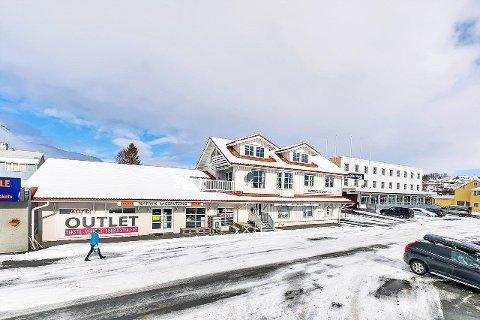 Dyrt: Det er ikke ofte så dyre boliger dukker opp på boligmarkedet i Bjerkvik, ifølge eiendomslegler Sigve Wiik.
