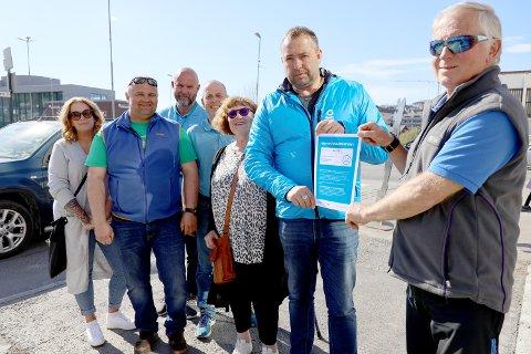 AKSJON: Fra høyre: Øystein Tofte, Ola Yttre, Greta Altermark, Jan Eivind Pettersen, Arnt Ove Pettersen, Yngve Lundahl og Lene Odlolien, Delta, FFO, LHL
