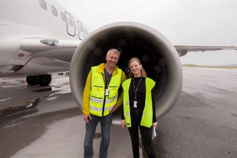 «Livet på Evenes»-redaksjonen: Ragnar Bøifot og Vilde Øines Nybakken har nærmest bodd på flyplassen i en uke for å gi leserne et unikt innblikk i hverdagen på flyplassen.