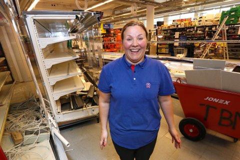 SPENT: Det er hektiske tider for Elise Sørensen, ny kjøpmann på Rema 1000 Strandvegen i Tromsø.