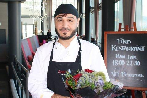 Bestod testen: Ballangsværingen Refat Naser Eddin, opprinnelig fra Syria, overbeviste sensorene under eksamen. Soussjefen ved Scandic kokkelerte til bestått med glans etter to dager med intens jobbing på kjøkkenet og i restauranten.