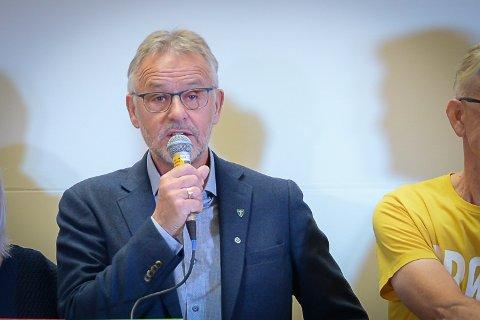 SKILLER SEG UT: Per Kristian Arntzen, førstekandidat for Senterpartiet. Her fra Fremovers partilederdebatt forrige uke.