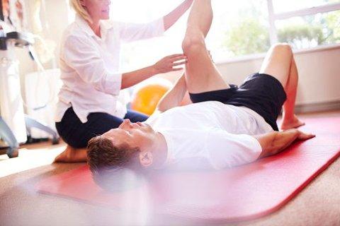 Vær forsiktig når du starter opp igjen med trening etter ferien. Mange comeback ender hos fysioterapeuten.