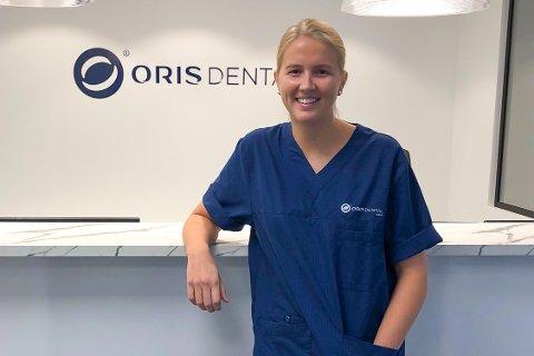 Lena Klippenvåg (25) fikk jobb ved Oris Dental i Narvik før hun var ferdig med studiet.