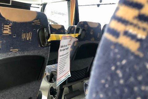 STRAMMES INN: Fylket har kommet med nye koronatiltak og innstramminger i kollektivtrafikken.