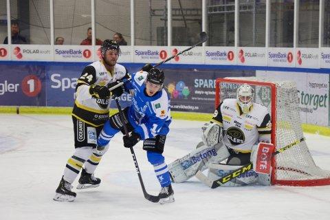 UT SESONGEN: Unge Kenneth Pappalardo Gulbrandsen har vært en meget solid tilvekst for Narvik hockey.