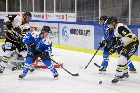 JOBBER VIDERE: Narvik hockey jobber for at prestasjoner i kamper skal vare i samtlige minutter.